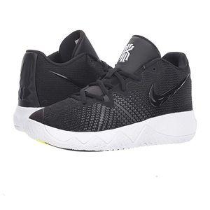 Nike Boy's Kyrie Flytrap Basketball Shoes, 3Y NWT